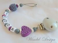 Schnullerkette mit Wunschname violett-grau